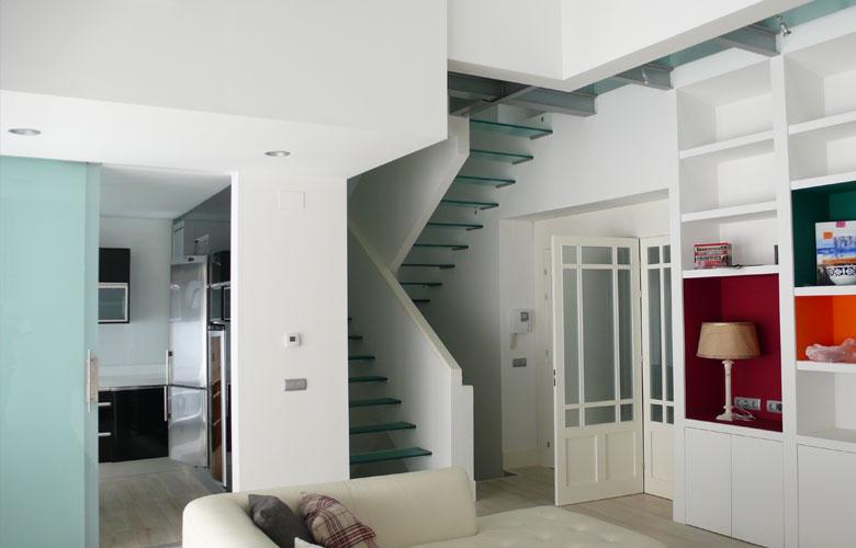 Escalera suelo y cerramiento de cristalcristaler a garc a - Cerramientos de escaleras ...